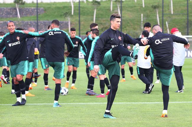 C罗:自豪成为葡萄牙队队长 成为领袖感觉很棒
