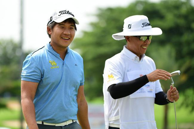 亚洲杯:沙山辛领先印尼赛次轮 罗斯T5肖博文刘晏玮升级