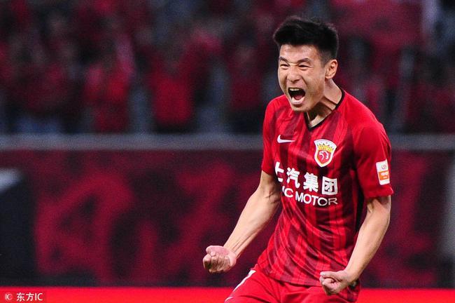 2018中国足球事件:武磊助上港破垄断 军训var抢眼