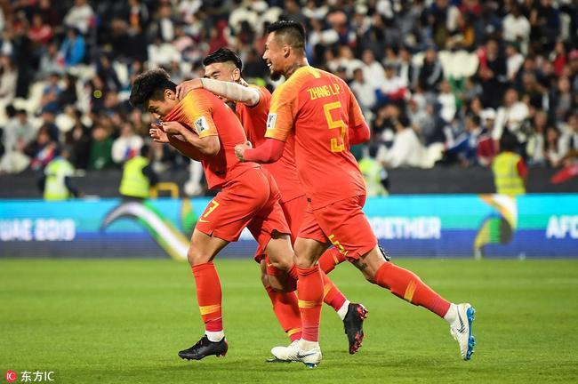 亚洲杯-国足3-0两连胜提前出线 武磊双响大宝锁胜