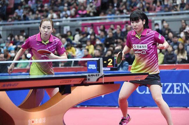 平野美宇在女双比赛中