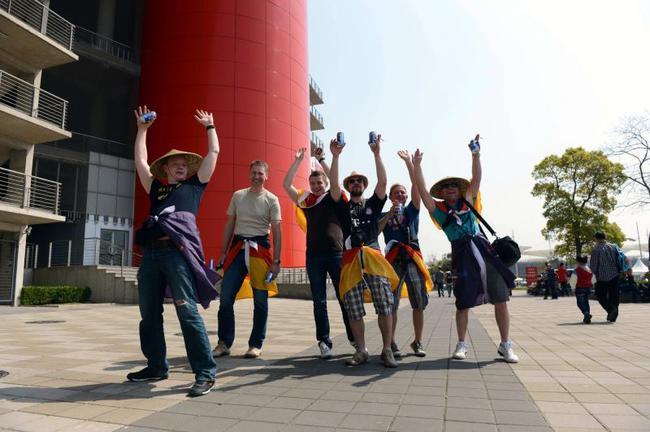 F1车迷齐聚上海国际赛车场(资料图)