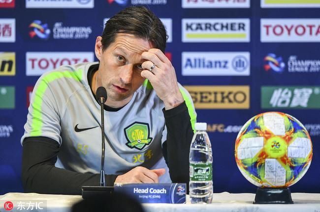施密特:今天欠缺的就是进球 我们一定能小组出线