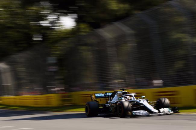 汉密尔顿拿到F1澳大利亚揭幕战杆位
