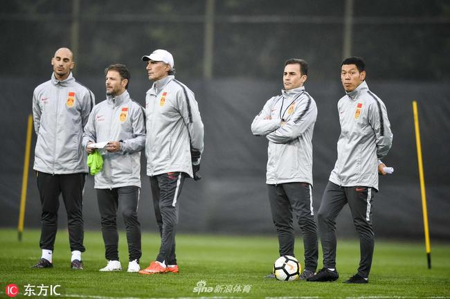 足协选卡帅因对中国球员熟悉 他的薪水到底谁来付