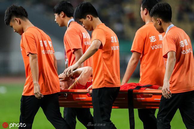 李磊因伤提前告别中国杯 若想立足国字号仍需努力