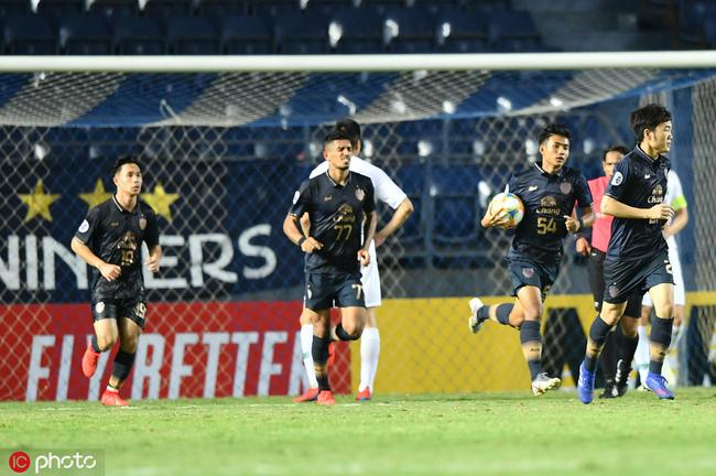 16岁的素潘纳在亚冠赛场取得进球