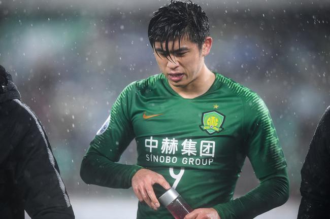 张玉宁受伤源自疲劳 回国后俱乐部国奥比赛没停过