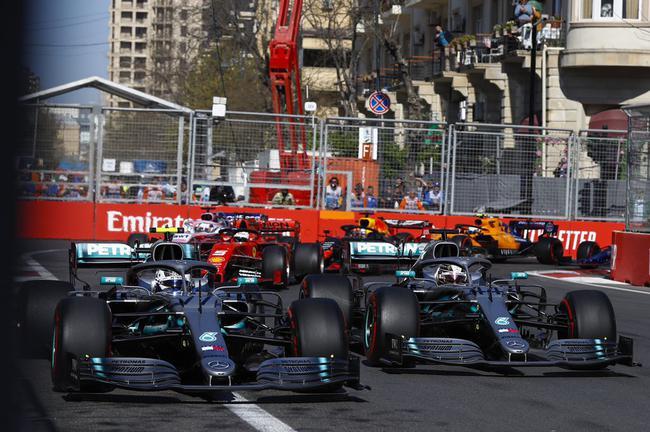 梅赛德斯车队第四次包揽冠亚军
