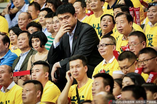 姚明领导着中国篮球稳步前行