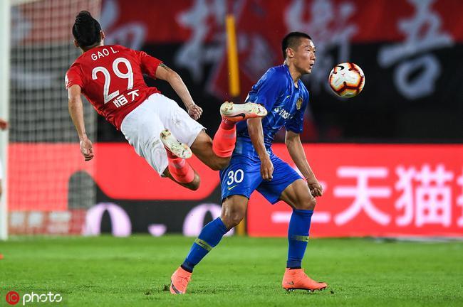 苏宁新援为踢伤郜林难过:心里过意不去 太抱歉了