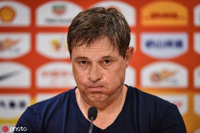 斯托:踢出了想要的美丽足球 球员们依然非常信任我