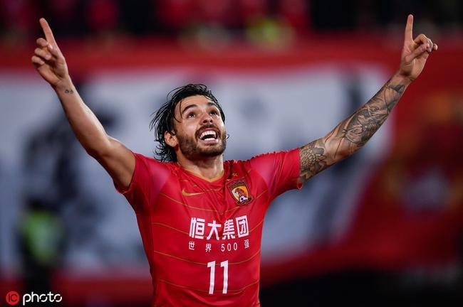 中國足球歸化巴西人為什么引發軒然大波?