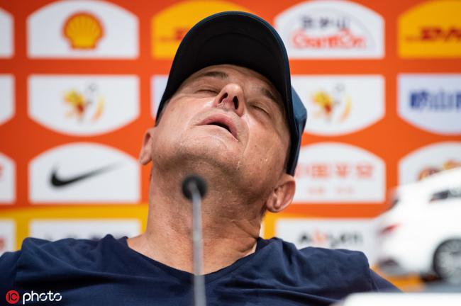 赛后发布会斯托暴怒:非常不开心 曾想把所有人换了