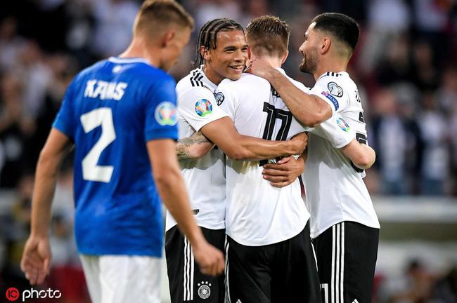 屠杀!德国队半场轰进5球 上次这么爽还是虐巴西