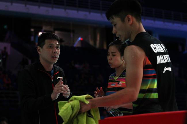 邹俊英(左起)满足吴柳莹与陈炳顺在上半年的发挥
