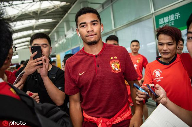 布朗宁入籍成功是中国公民 但能否出场需FIFA审核