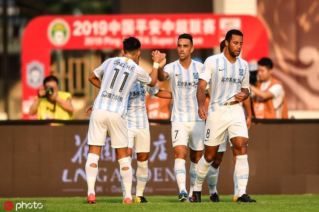 中超-扎哈维双响斩赛季第22球 富力2-1胜十人泰达