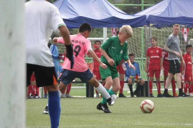2019北京市市级社会足球活动之友谊桥足球交流活动举行