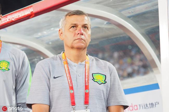国安9天假期布鲁诺给球员留作业 教练组不敢懈怠