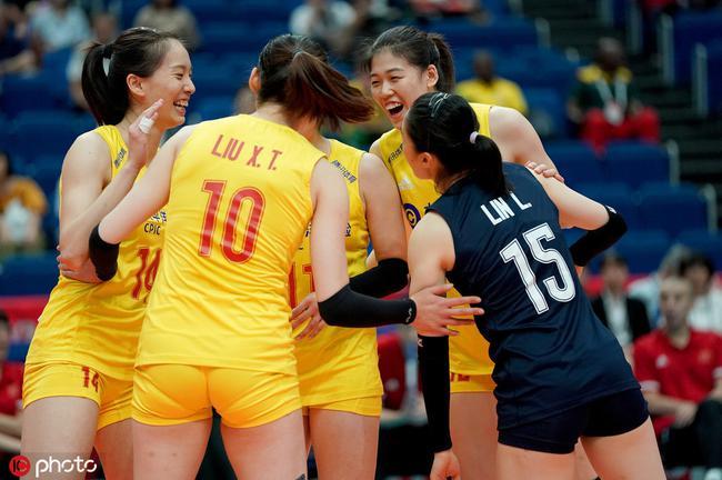 世界杯中国女排3-0完胜喀麦隆两连胜积分至次席