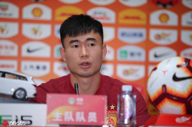 邓涵文:针对卓尔进行特别的训练 要适应左后卫