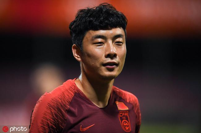 国足补调刘洋因李磊未伤愈 教练组并没有放弃后者
