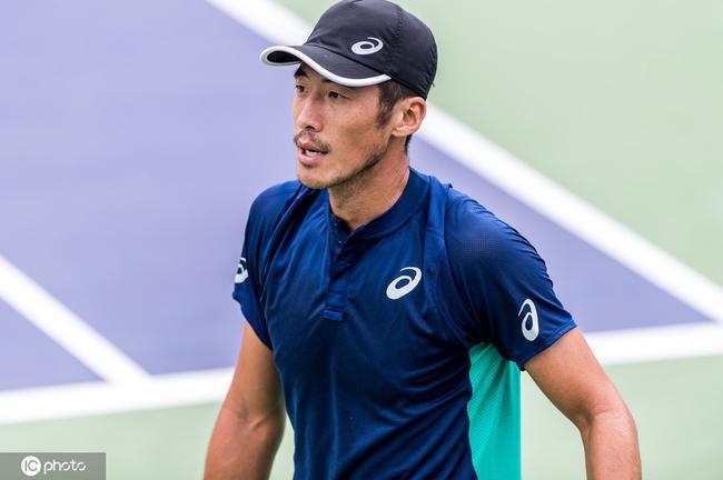 上海赛李喆失好局遭澳网四强逆转无缘巡回赛首胜