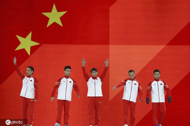 中国男团亮相