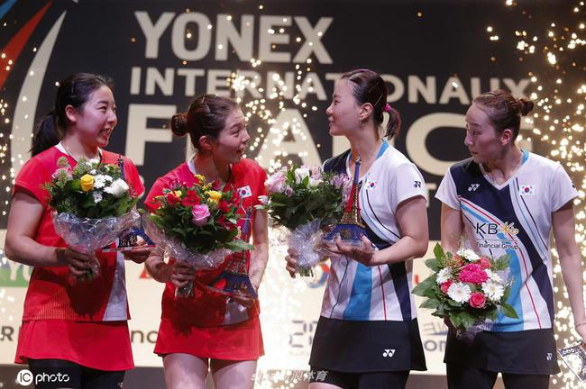 韩国女双包揽法国公开赛冠亚军