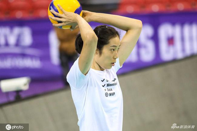 朱婷领衔天津女排训练备战欧洲冠军