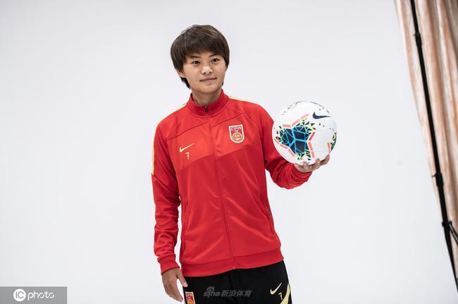 王霜-中国女足球员