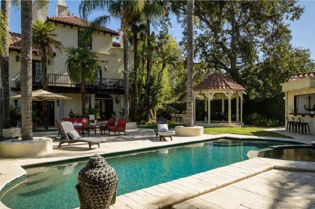 湖人三冠中锋出售LA豪宅 585平卖了249万