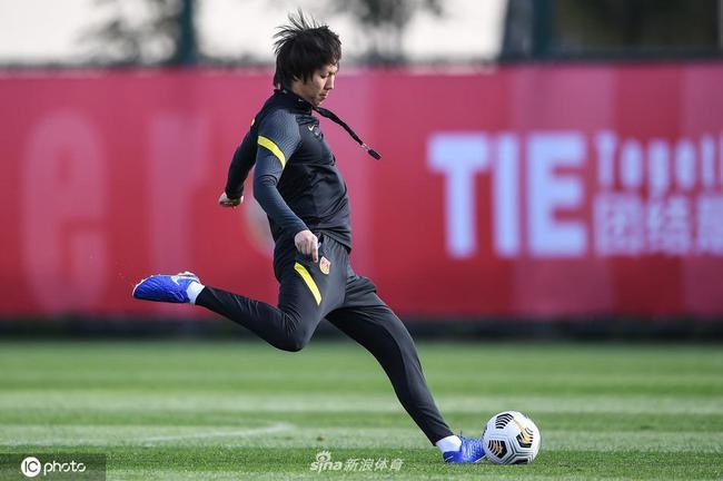 中国足球有两种观点非常火 中超赛程走一步看一步
