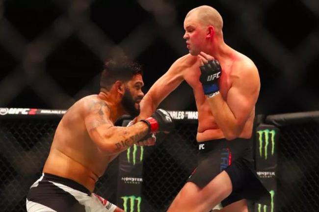 UFC重量级名将因健康原因宣布退役