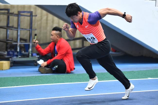 苏炳添复出60米6秒49夺冠 今年世界第三亚洲第一