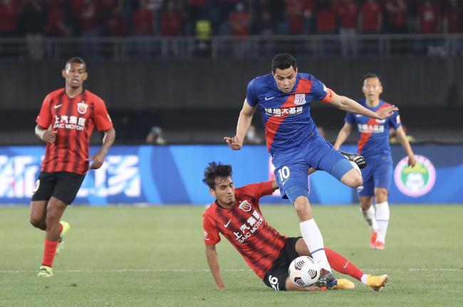 记者:今年争冠看本土球员 看好上海双雄和泰山