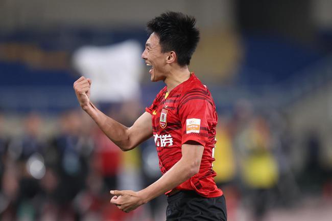 中超-王鵬亂戰中一劍封喉 亞泰1-0送申花賽季首敗
