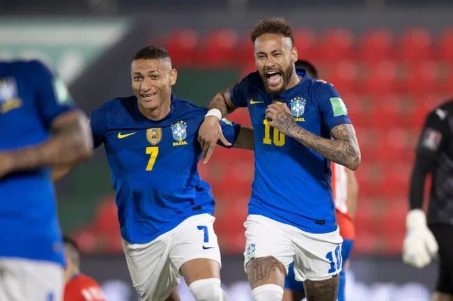 内马尔传射超越罗纳尔多卡卡 追平世预赛进球纪录