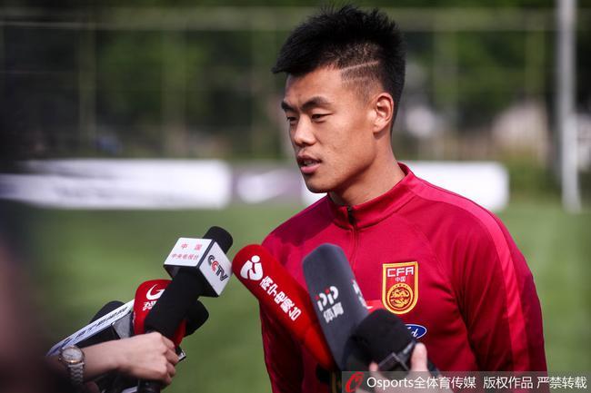 谭龙表示:他不想只做国家队的