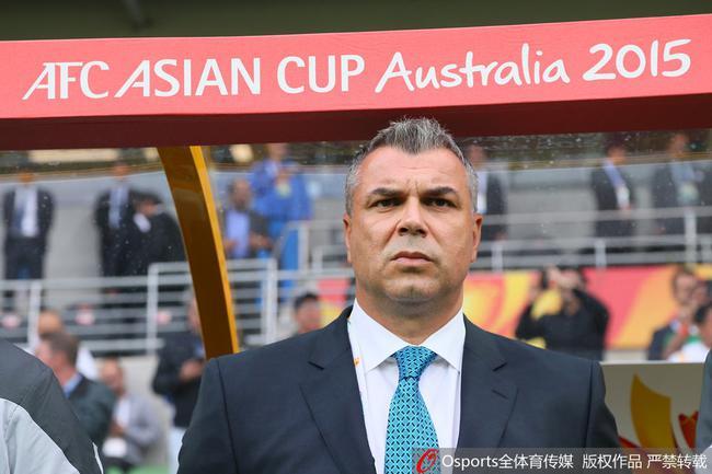 奥拉罗尤率领沙特出战2015亚洲杯,小组赛0-1不敌佩兰执教的国足