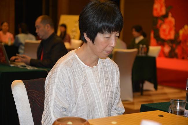 世界女子围棋大赛五彩缤纷 23个冠军头衔花落谁家