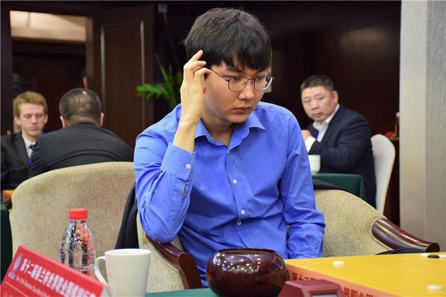 朴廷桓被让先 不敌星阵围棋