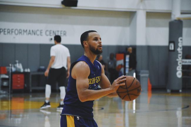 Curry參加完整球隊訓練  有大概率出戰半決賽第一場(影)