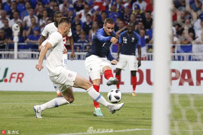 格里兹曼是法国队无可替代的首发前锋