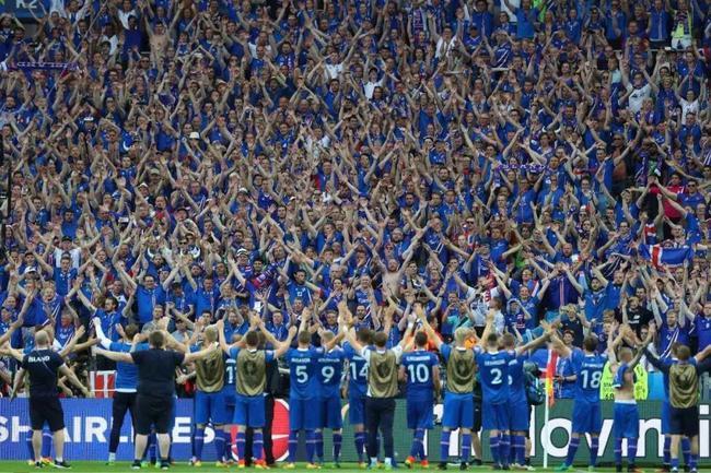 世界杯终现冰岛战吼!3万人敲鼓齐鼓掌太壮观!