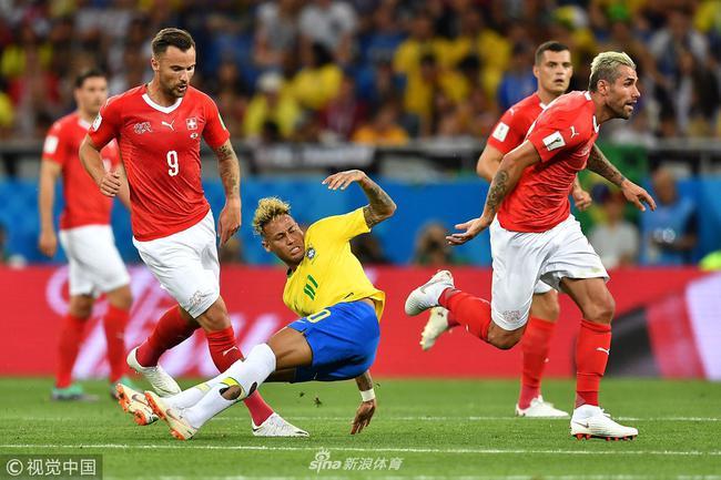 巴西主帅不满:瑞士进球前已犯规 对手犯规太多