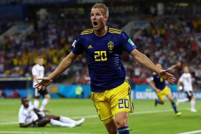 世界杯-克罗斯读秒绝杀赎罪 10人德国2-1逆转瑞典
