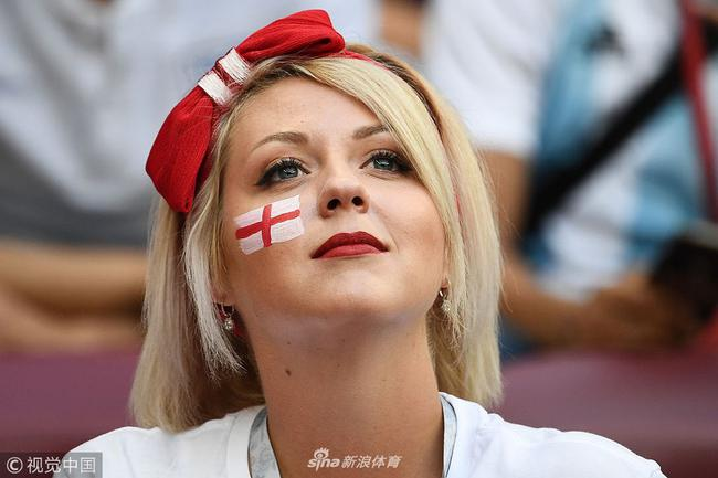为啥世界杯看台美女球迷少?国际足联不让拍