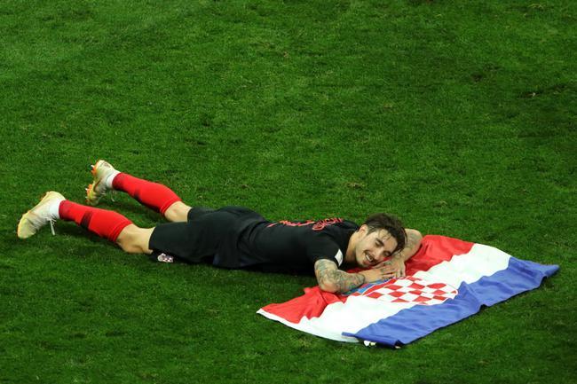 这一刻,只想躺在国旗上